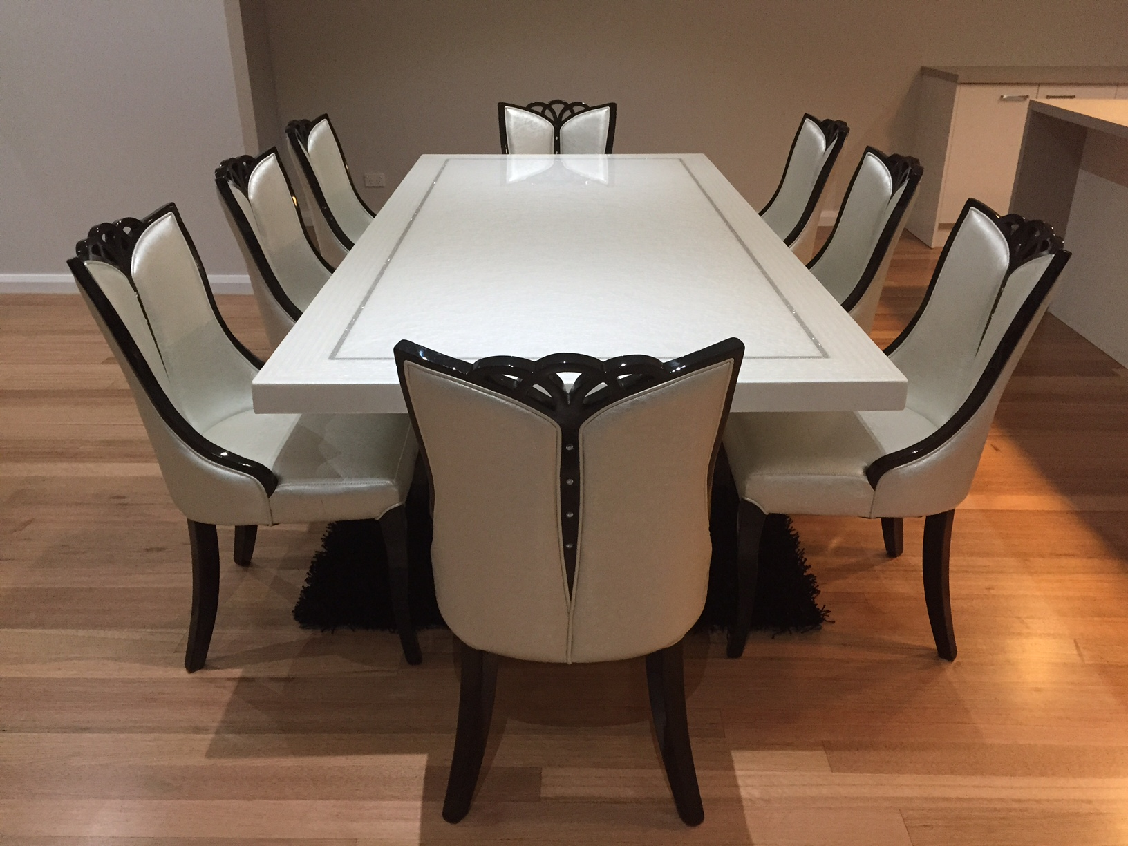 Bianca marble dining table with 8 chairs marble king for Fancy dining table and chairs